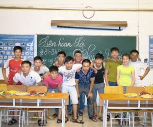 課外授業・交流会(日本に行く卒業生の歓送会)